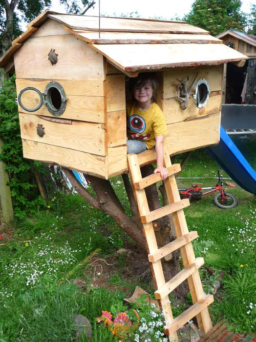 Wildchild designs for Small tree house